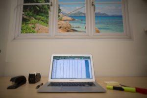 computer-on-desk-4